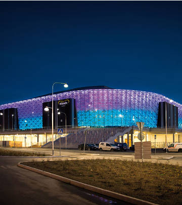 Impressing color-changing façade at Friends Arena, Sweden illuminated by Philips