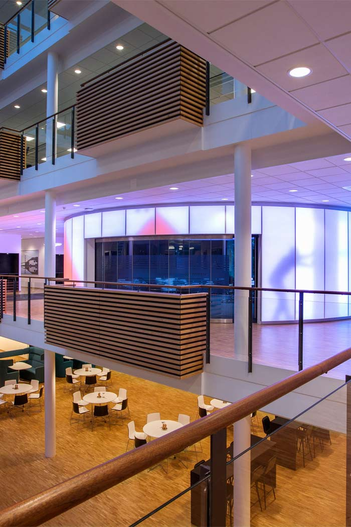 ISS creates welcome atmosphere for its customers with Philips office lighting systems