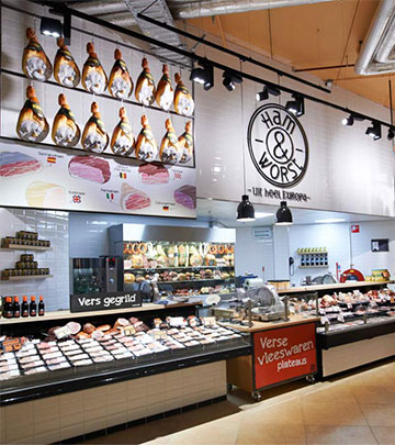 Philips Lighting illuminating meat to show the freshness at Jumbo Foodmarkt, the Netherlands