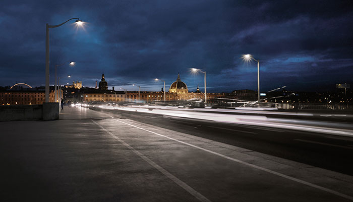 Guillotière Bridge at Lyon, France illuminated with Philips intelligent lighting