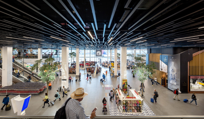 Retail and leisure areas in airports
