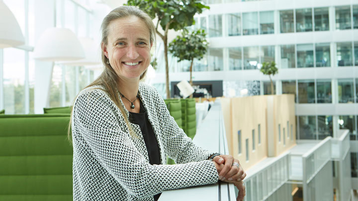 Babette Bouman on future trends in the workplace, filmed at The Edge, Amsterdam for Philips Lighting